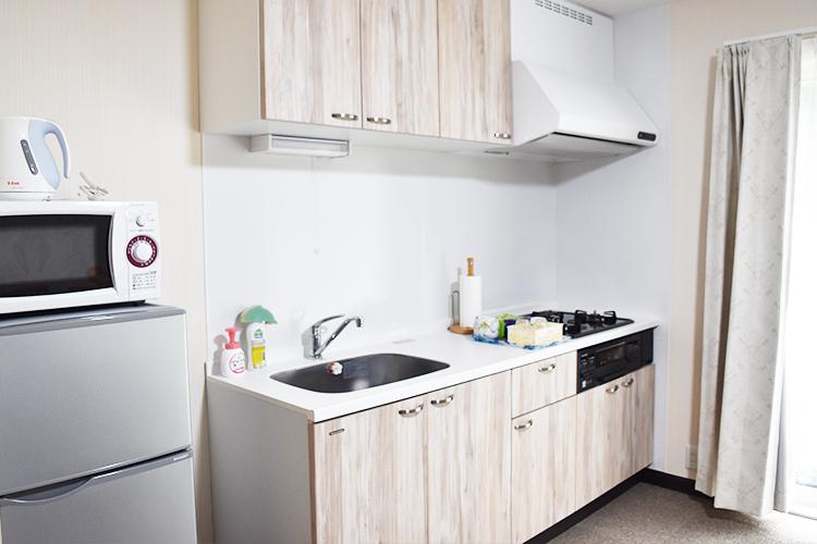 各部屋のキッチンも広々。冷蔵庫や洗濯機も室内に設置可能