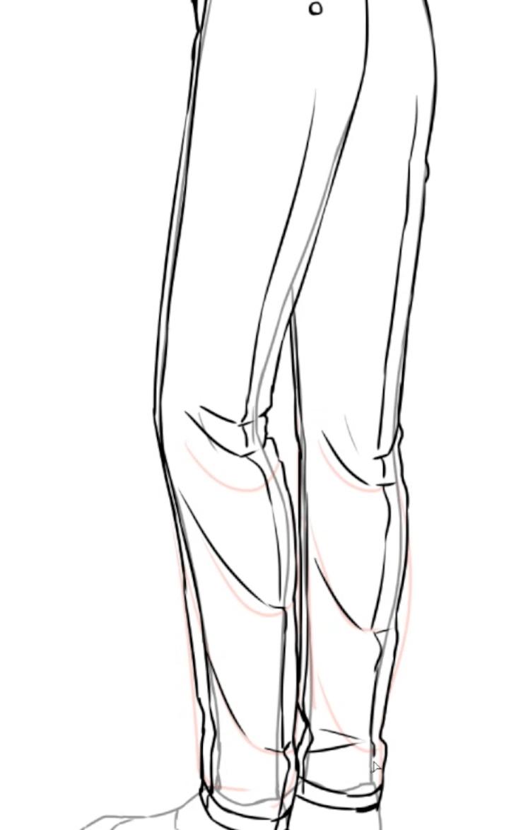 脚の中心に折り目を描く