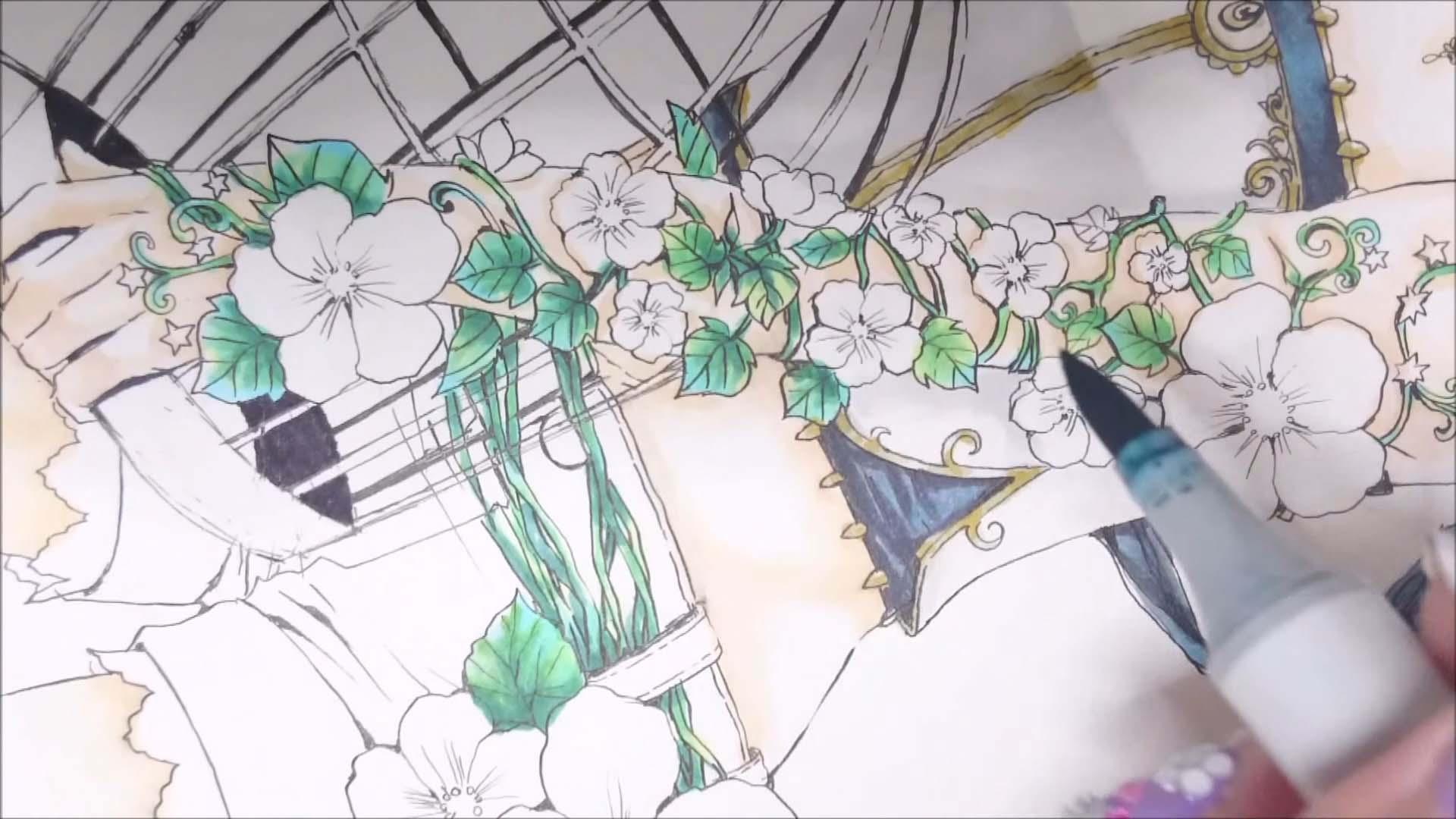 立体感が出るように葉っぱを重ね塗り
