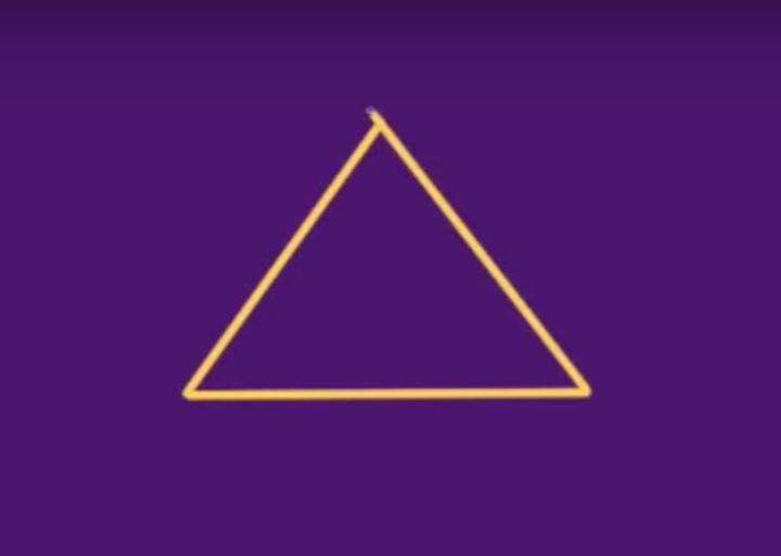 折れ線ツールで三角を作成