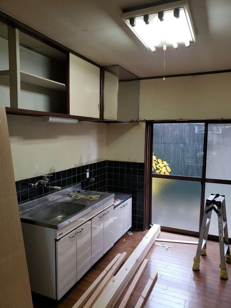 静岡 キッチン 壁紙 クロス 内装 クロス張替え 内装工事 クリーニングは静岡市のac Trustへ