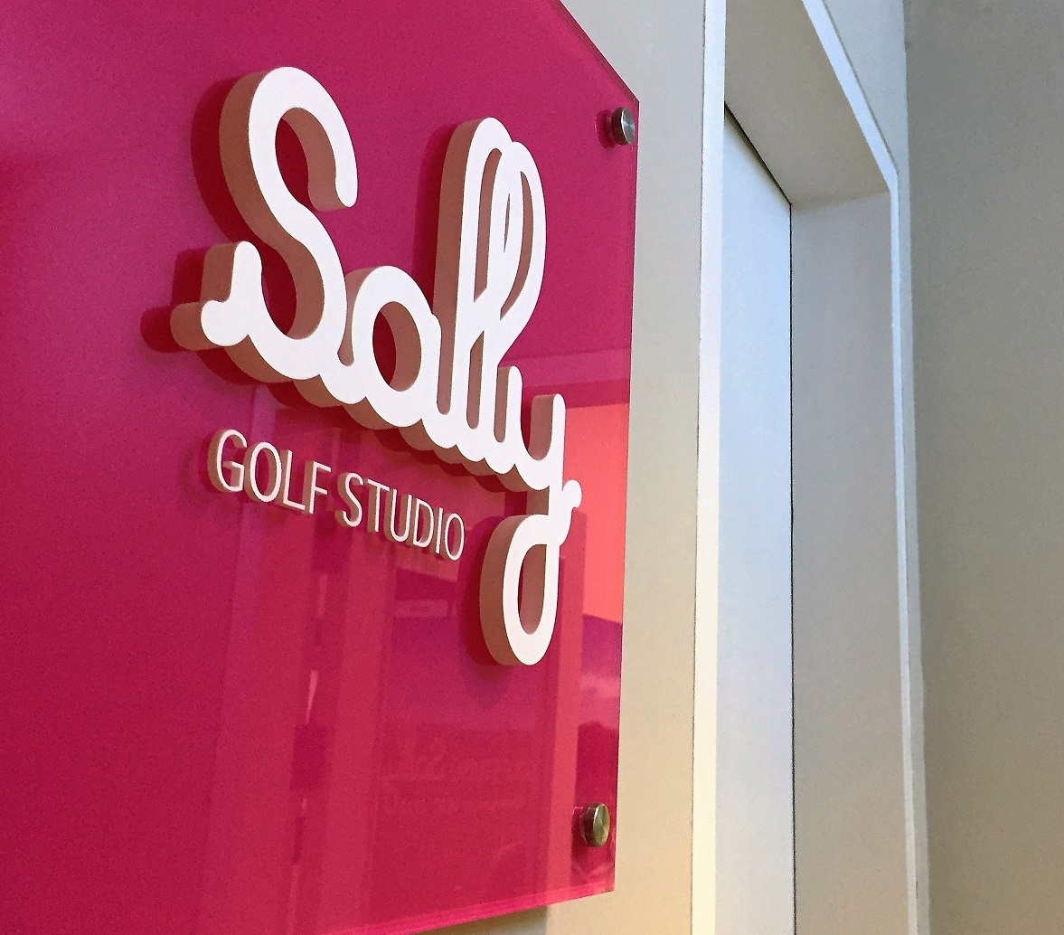 もっと楽しく、もっと気軽に!バンコクにゴルフスタジオSallyがオープン