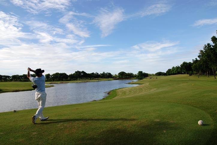 【最大60%OFF】オフシーズンのゴルフ合宿ならココ!「ユニランドゴルフ&カントリークラブ」