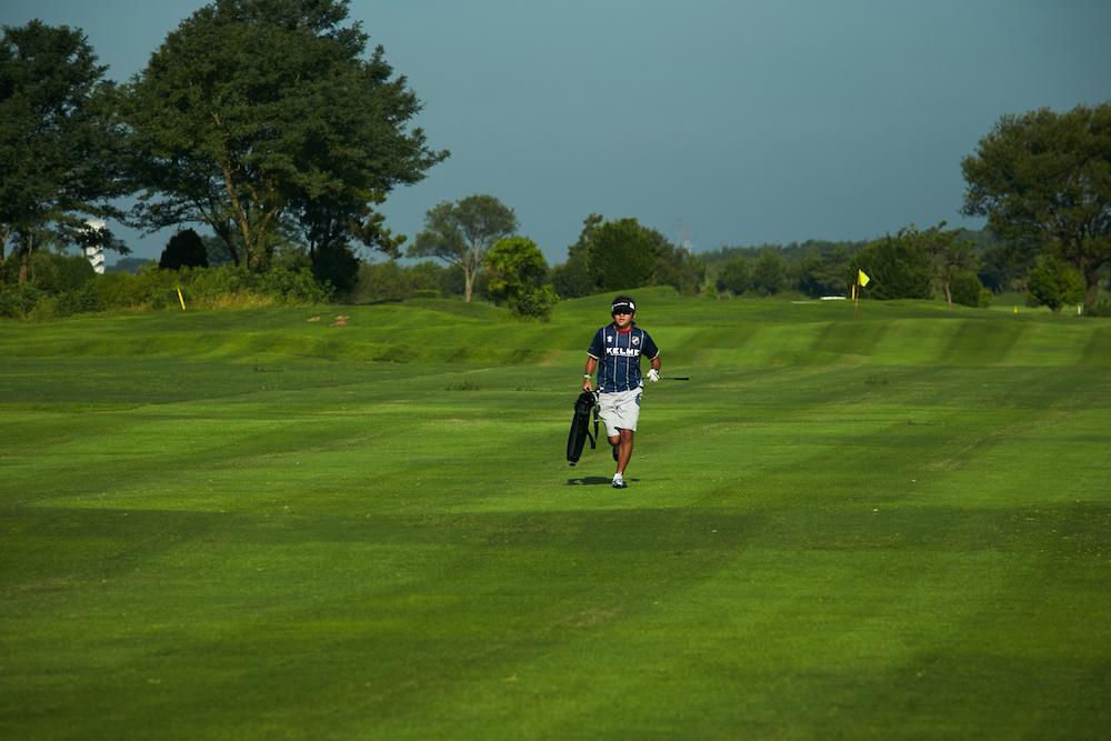 「4人でプレーするの?」「スコアはどうやってつけるの?」スピードゴルフとゴルフの違いを徹底解明その2