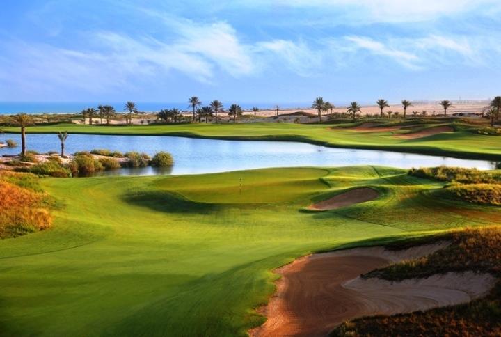 中東のオアシス 感性を刺激するアブダビのゴルフ旅行へGO!