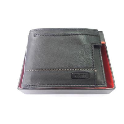 【Guess 】男時尚鈕扣車縫黑色皮夾 (5.5折)