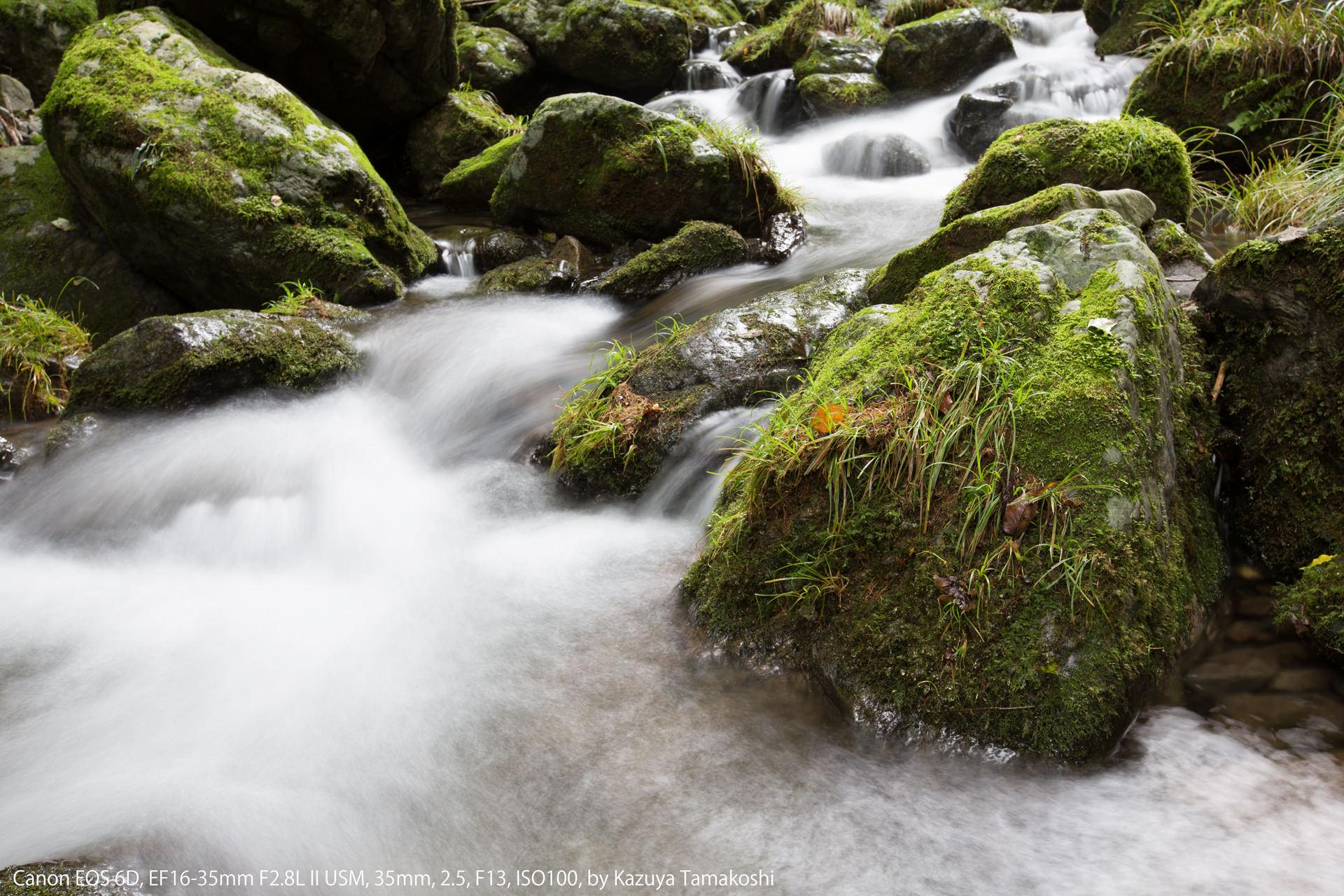 奥多摩の川の流れ(シャッター優先AEのサンプル)