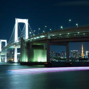 夜のレインボーブリッジ