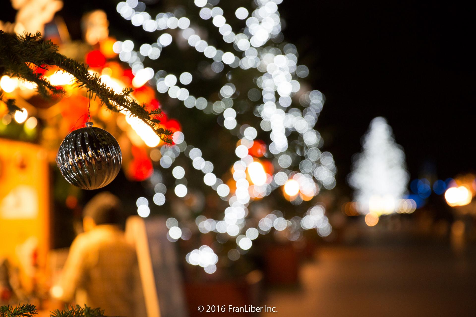横浜赤レンガ倉庫で開催されるクリスマスマーケットの飾り