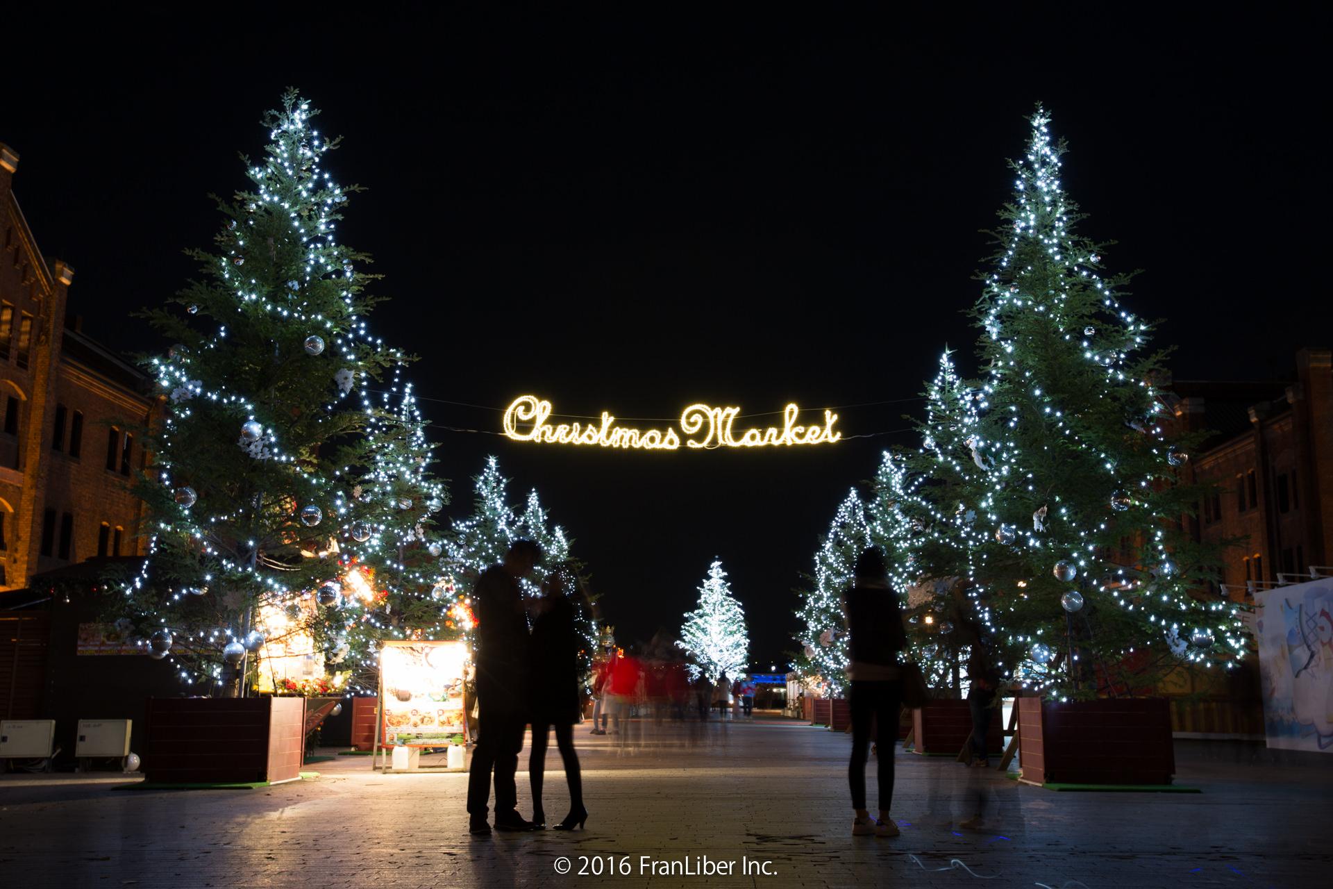 横浜赤レンガ倉庫で開催されるクリスマスマーケット入口