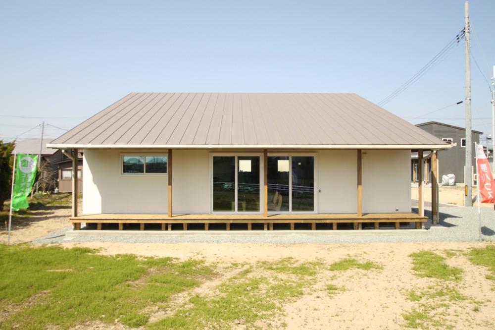ミニチュアダックスと暮らす、小屋裏のある平屋のお家