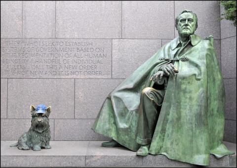 ルーズベルト大統領とファラの像