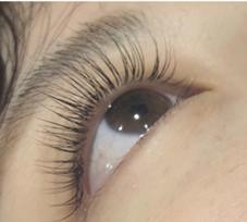 moinail& eyelash salon所属の勝野楓蘭