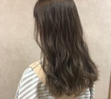 LOGAN hair and spa所属の中山莉奈