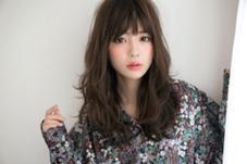 Hair lounge Krone所属のKRONE 浦和駅海老原里奈