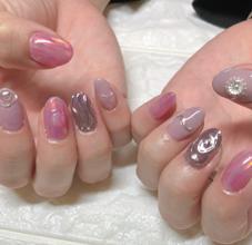 nail room KUKU所属の先田亜月