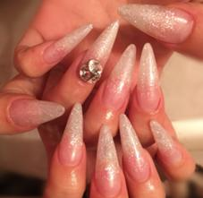 NailsalonQUEEN所属の沓掛真奈