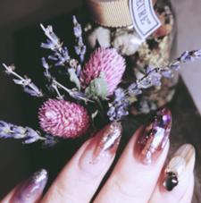 nail art salonECRIT所属のネイルアーティストLENA