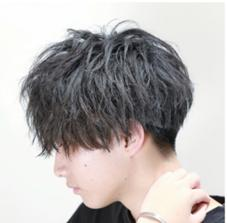 HEAR &MAKEEARTH上野店所属の山崎椋平