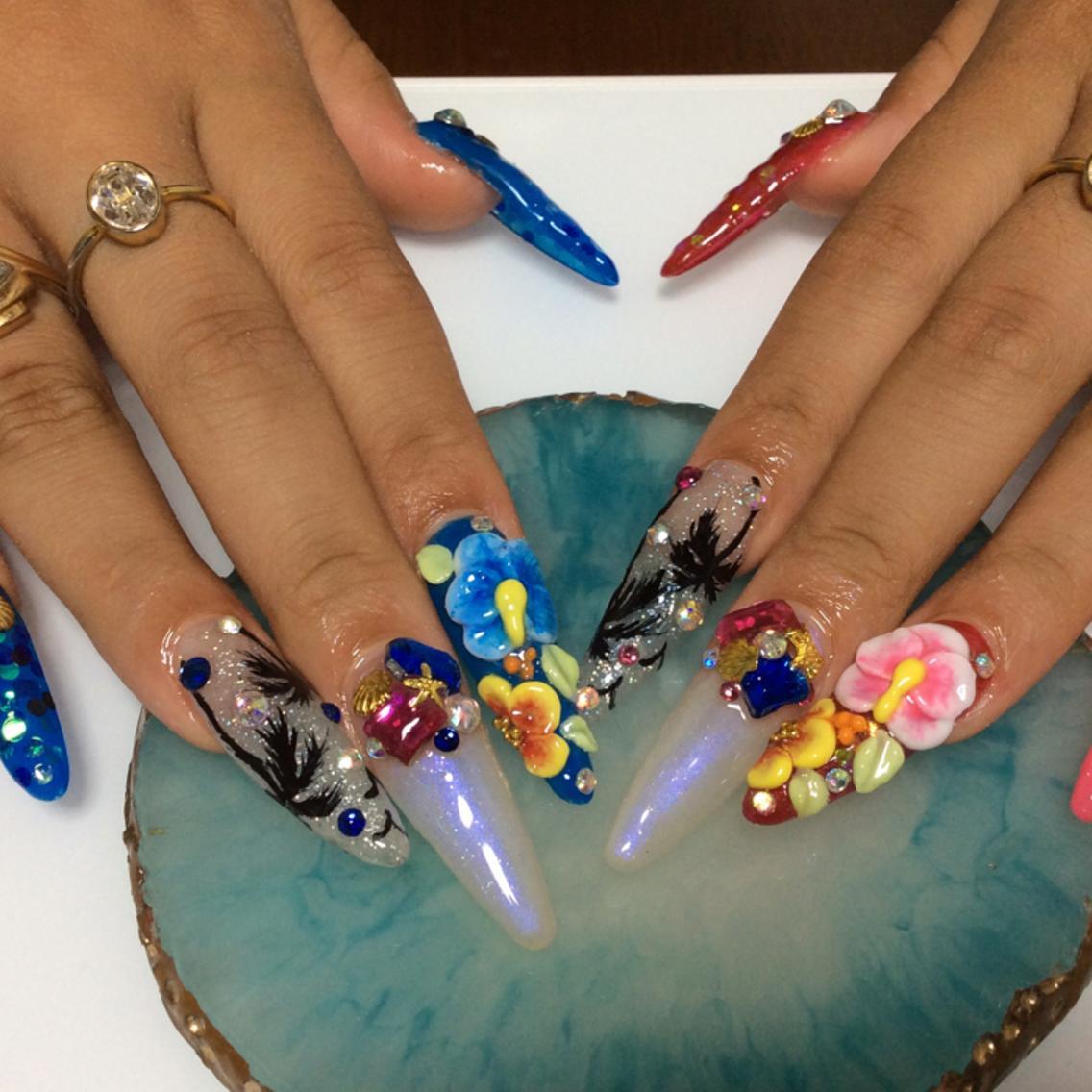 持ち込みデザイン何でもok♡200種類以上カラー&パーツ♡リラックス系サロン♡人気の自爪風スカルプ