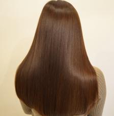 【☆髪質改善師☆】⌛️40分間で艶っツヤ✨まとまりやすい!扱いやすい!乾きやすい!を保証します!、女性は艶髪ストレート!!!!✨
