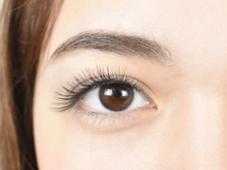 FREE'S eyelash所属の小林亜佑美