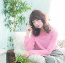 AUBE hair sense所属のリー栄華