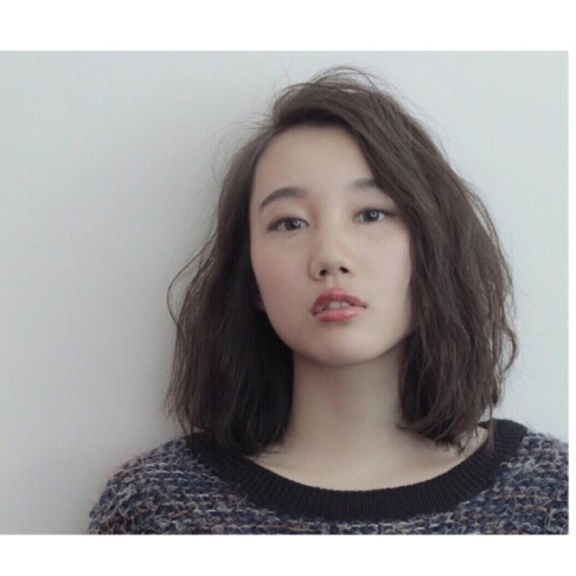 """Atoroは""""今を楽しみたい""""おしゃれ感度の高い女性がもっともっと可愛く・おしゃれになれるサロンです。Atoro流似合わせ理論とお顔分析に基づき、おしゃれを気軽に楽しめるお顔周りを着替えるサロンです。"""