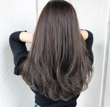 THREE hair salon所属の鈴木コウヨウ