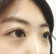QP nail&eyelash所属の小野明日香