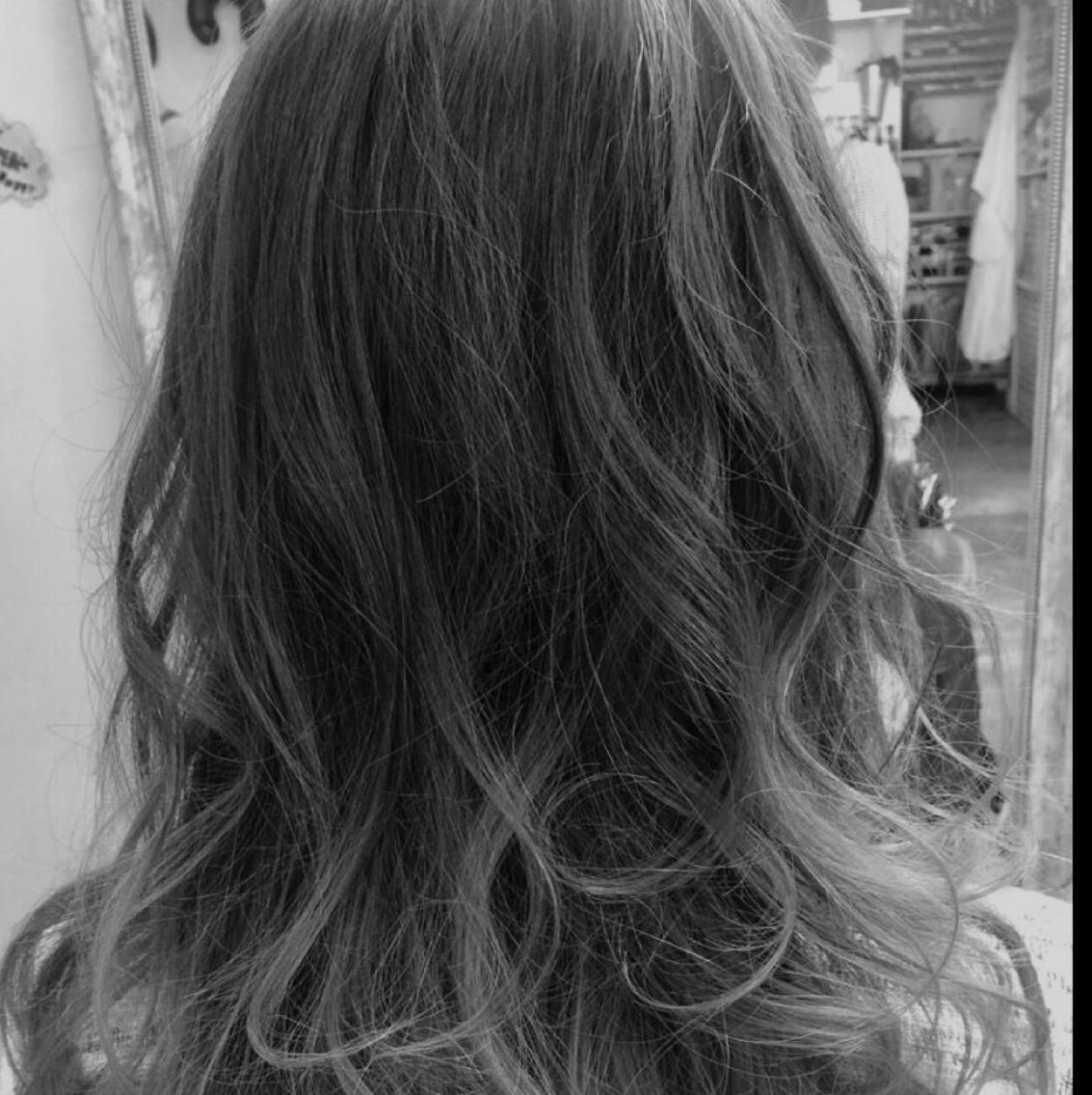 すぐ予約OK☆人気店☆アッシュグレーカラーが上手な美容室☆自然な黒染めやブリーチを使ったハイトーンカラーなどヘアケアマイスターのいる美容室です。ロング料金ナシ★イルミナカラーなどなど…。