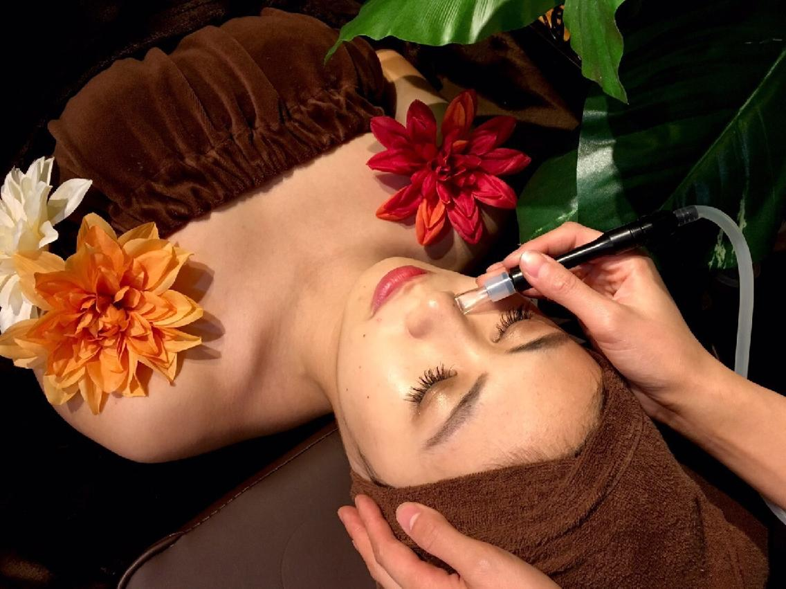 ❤️20代限定特別価格1000円 ❗️お気に入り3000突破❗️肌質改善フェイシャル+ 小顔フェイシャル❤️肌荒れブツブツ脂肌乾燥肌❤️
