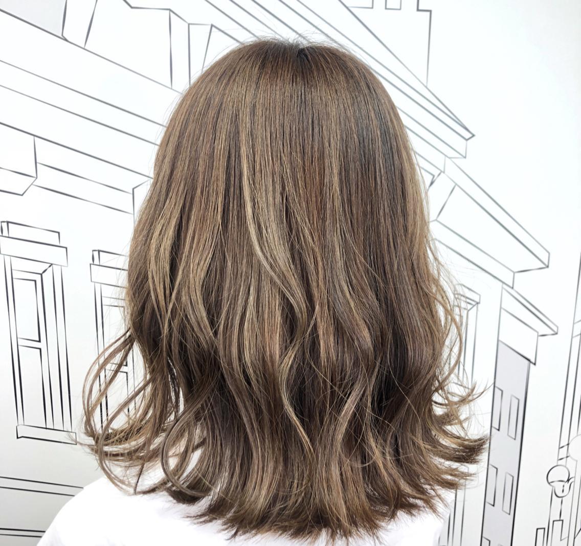 24日空きあります🌸極細ハイライトカラー得意💓8割のお客様がハイライト💓バレイヤージュ💓メンズOK🙆♂️口コミ評価4.9☘️髪質改善トリートメント🍀ピンクカラー得意❤︎