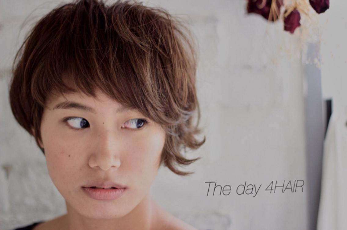 ✨平日限定11時〜17時迄‼️春夏に向けて‼️透け感のあるカラー&ハイライト5500円‼️‼️ブリーチハイライトをいつものカラーにプラスして