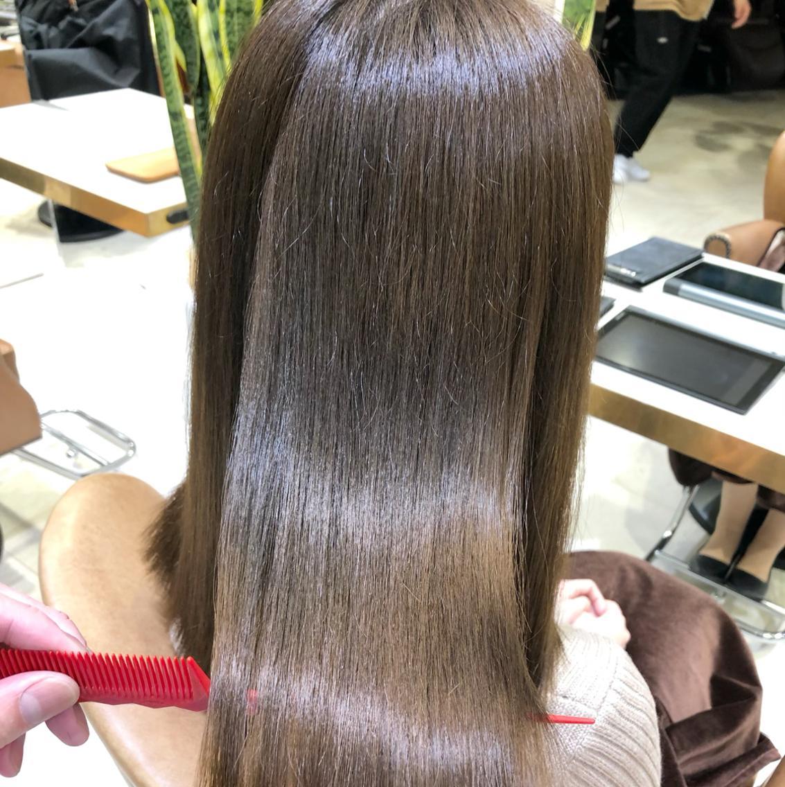 アッシュ系で話題のアディクシーカラーを体験★長く通える美容院をお探しの方大歓迎★髪の毛バッサリ切りたい方大歓迎、