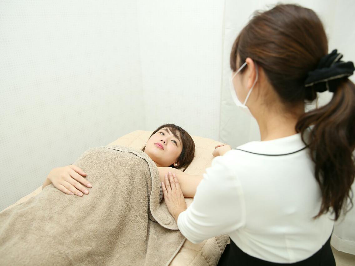 脱毛初回体験が980円❤安い❤丁寧❤アットホームなお店です(^-^)