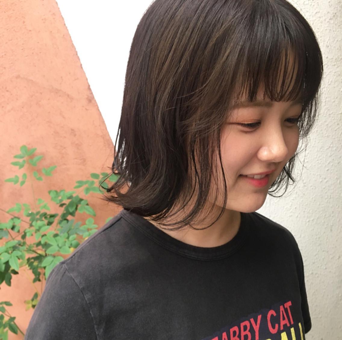 【学生専門サロン】学生さんをオシャレにプロデュースします ** 小顔補正立体カットで骨格や髪質に合わせて、小顔に **