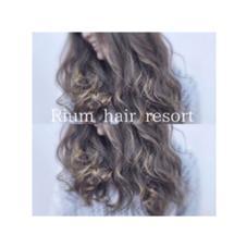 Rium hair resort所属のHIKARI(ひかり)