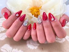 glow nail所属の笹本亜莉紗