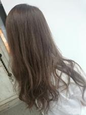 AUBE hair credo所属のKana