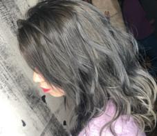 hairresort  Ai所属の豊里美希
