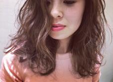 HAIR&MAKE EARTH所属の米山未紗