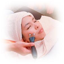 【3Deep Wave導入店✨】医療機関のみで使える機器を用いて普段使わない表情筋をトレーニングして血流を良くし、リフトアップや肌のトーンアップが出来ます!
