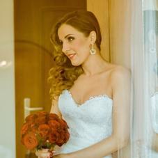 【リンパケアで美スタイル】 結婚式まであと3ヶ月!ドレスも決めたのにどうしよう…。そんな貴女が幸せな結婚式を迎えるお手伝いをするブライダルエステです。自宅でできるセルフケアもお伝えします。