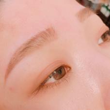 ALIS〜eyebrowsalon〜所属の鈴木さやか