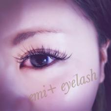 emi+eyelash所属の佐藤純花