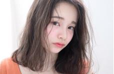 hairloungeGALERA所属の小澤郁美