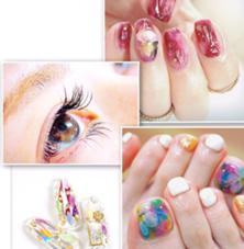 HeaRich-nail&eye-所属のHeaRich-nail&eye-