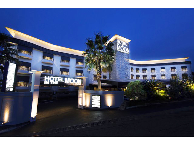 HOTEL IN THE MOON(ホテル インザムーン)