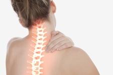 3Dプリンターを駆使した骨を傷つけない脊椎固定術